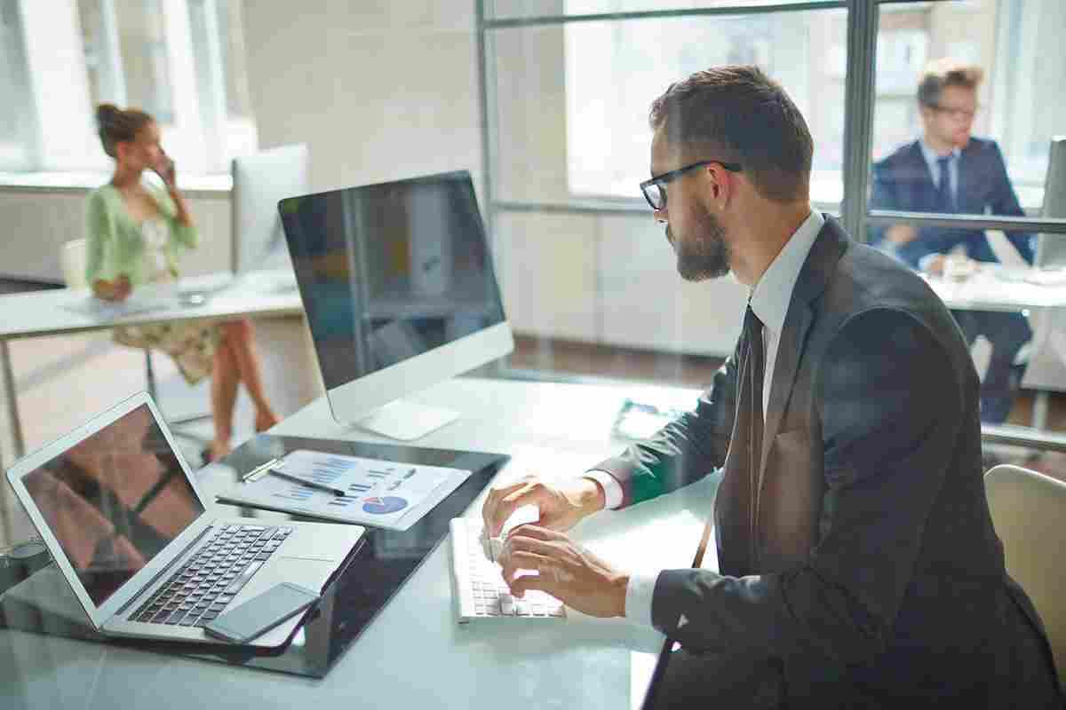 bg-office-01.jpg