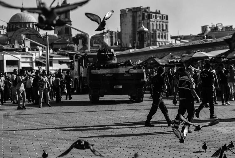 İnsan hakları savunucusu Murat Dinçer: OHAL koşullarının tümünü yasal ve olağan uygulama haline getirdikleri zaman OHAL'i kaldıracaklar