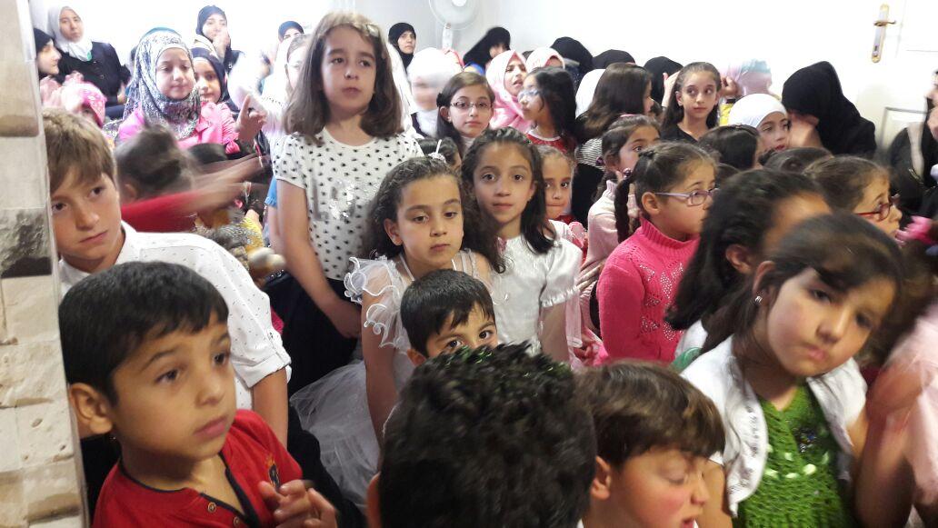 Şiddetin ortasında bir dayanışma hikayesi: Suriyeli Faten Hoca