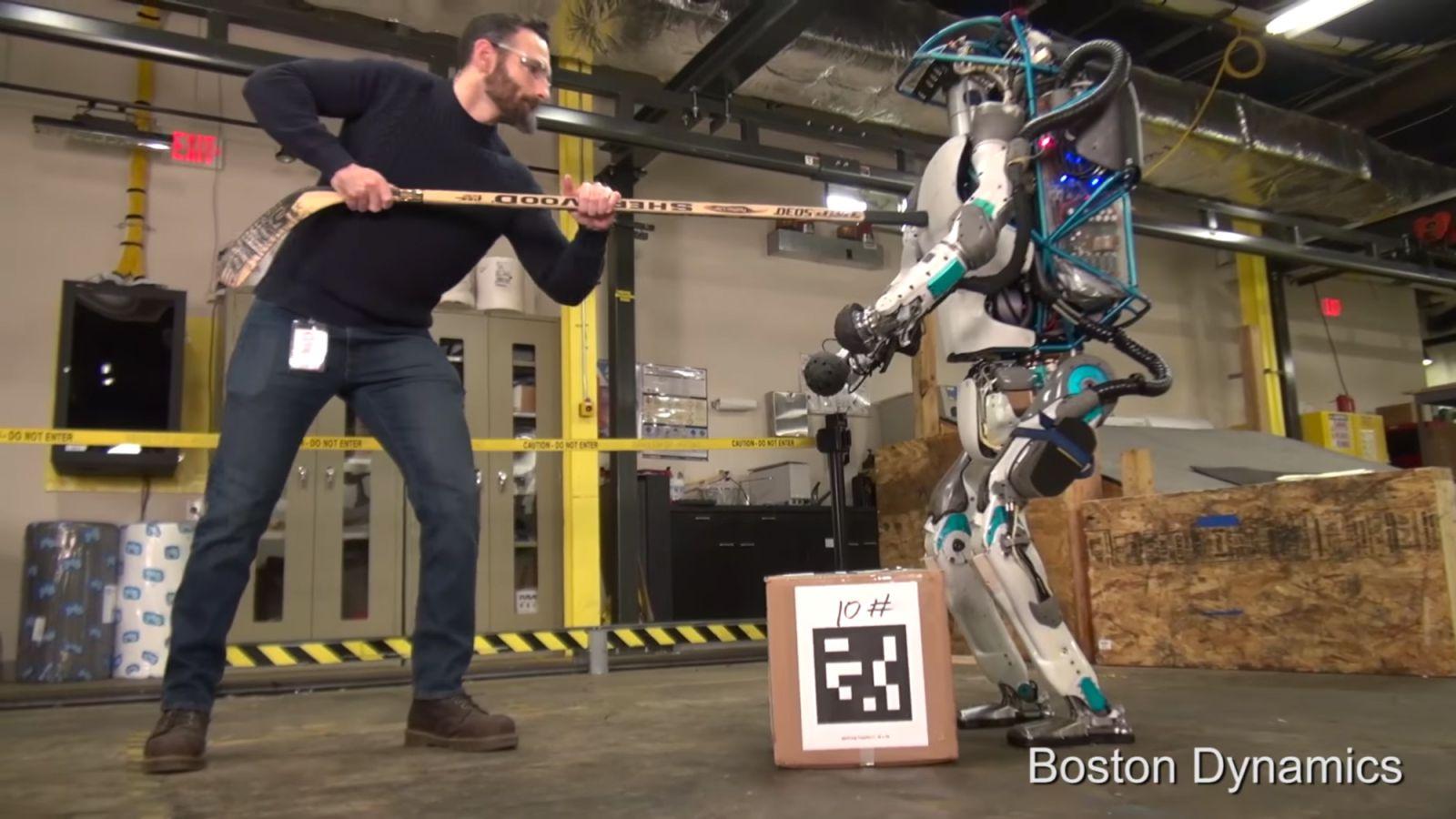"""Robotlar """"Hak""""lı mı?"""
