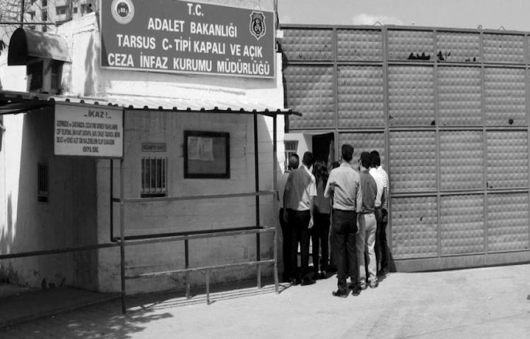İHD'den Tarsus Kadın Cezaevi'ndeki kötü muamelelerle ilgili rapor