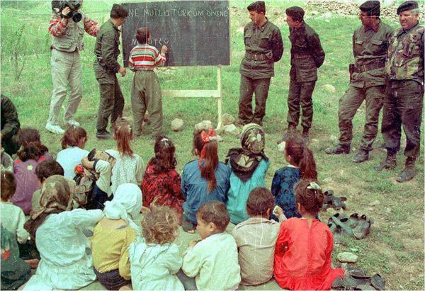 Diyarbakır'da Çocuklardan Savaşı Öğrenmek