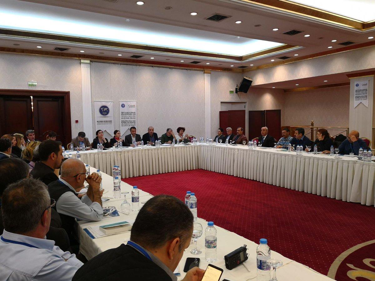 Diyarbakır sivil toplumu İzmir'e barışı konuşmaya gitti