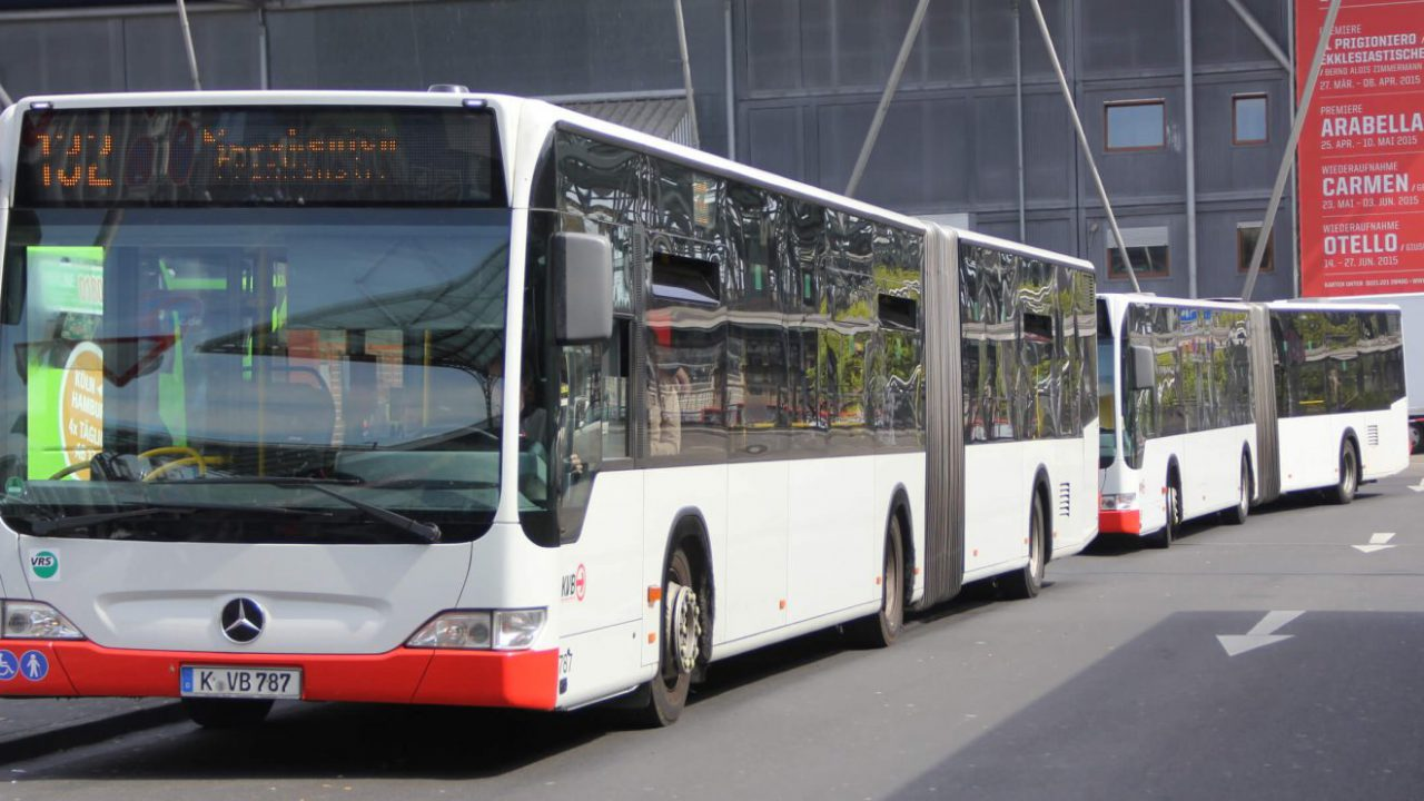 Almanya'dan Hava Kirliliğine Yeni Çözüm: Ücretsiz Toplu Taşıma