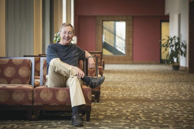 Eğitime yenilikçi destek mekanizmaları hakkında ilham verici bir sosyal yatırımcı: Ted Dintersmith