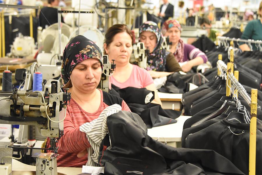 Rakamlarla Kadın İşçiler, Tarih Tarih Politikalar