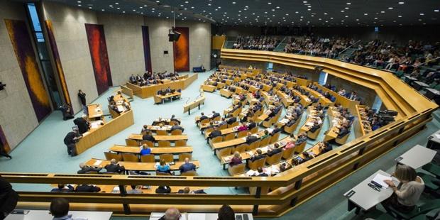 hollandaparlamentosu-990x556.jpg
