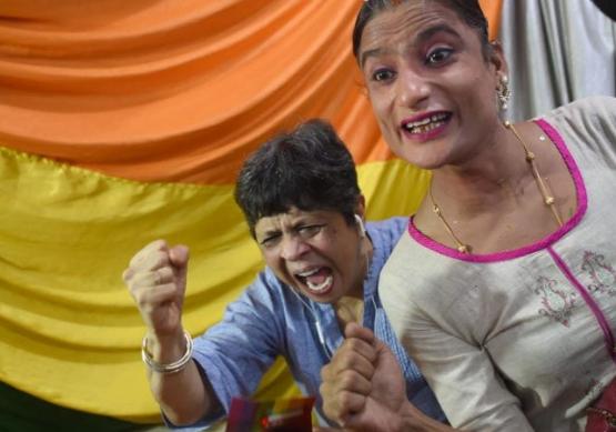 Hindistan'daki Yüksek Mahkeme Eşcinsel İlişkiyi Yasallaştırdı