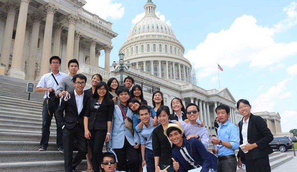 professional-fellows-page-picture-yseali-participants-travel-to-dc-to-mark-the-end-of-us-trip-960x556.jpg