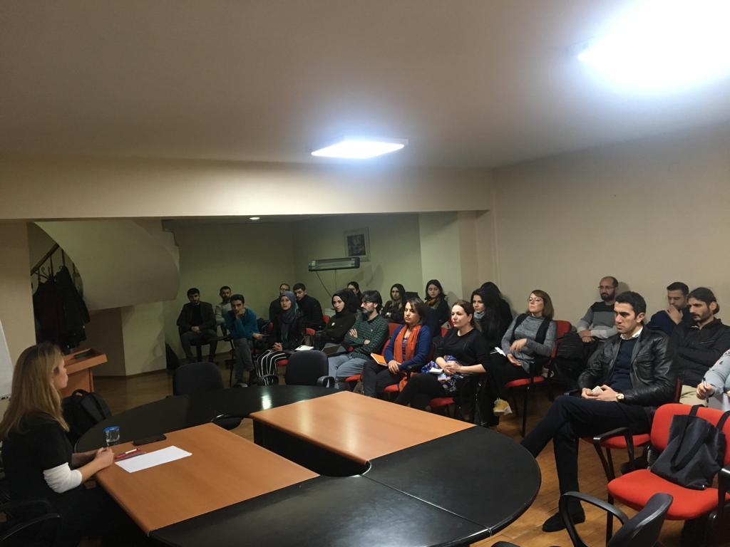 Diyarbakır İnsan Hakları Okulu Derslerine Başladı