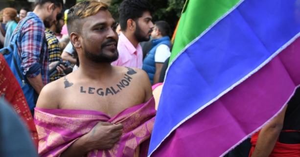 Hindistan'da Eşcinsel İlişkinin Yasallaştırılmasının Ardından Gerçekleştirilen İlk Onur Yürüyüşü
