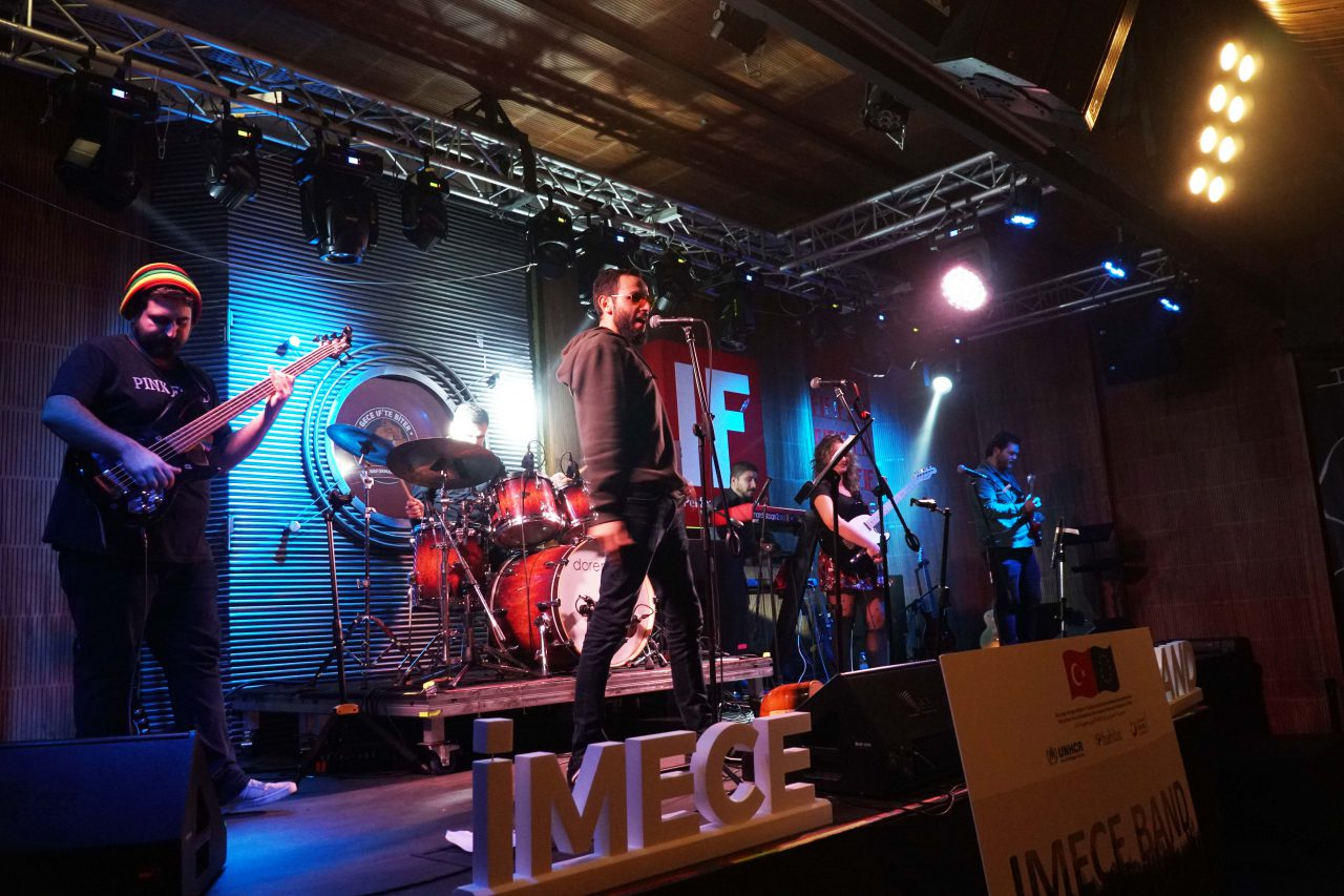 Mültecileri Müziğin Evrensel Dili ile Buluşturan İMECE Band'de Müzik Rüzgarı Esti