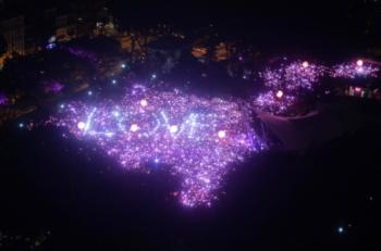 Singapur'da Gey Bir Çift Evlat Edinme Davasında Tarihi Zafer Kazandı