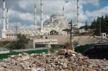 """""""Kirazlıtepe'de Yaşanan Yıkım Bir Dönüşüm Değil, Sınıfsal Bir Meseledir"""""""
