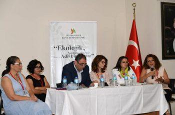 İzmir'deki Sempozyumda Kent Sorunları Ele Alındı
