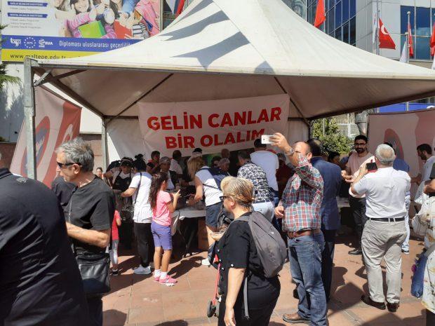 İstanbul'un Meydanlarında Aşure