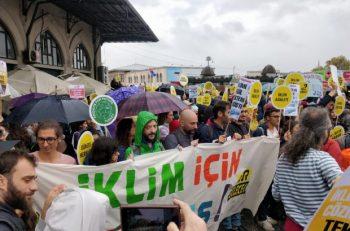 """Çocuklar İklim Grevinde Seslendi: """"Artık Bizi Dinleyin"""""""