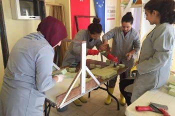 Mardin'de Türkiyeli ve Suriyeli Kadınlar Birlikte Sabun Üretiyor