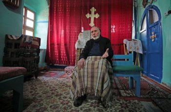 İHH Depremden Etkilenen Süryani Kilisesi'ne Yardımda Bulundu