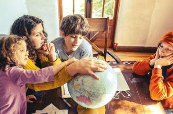 Evde Eğitim Sisteminin Türkiye'deki İlk ve Tek Temsilcisi: Ev Okulu Derneği