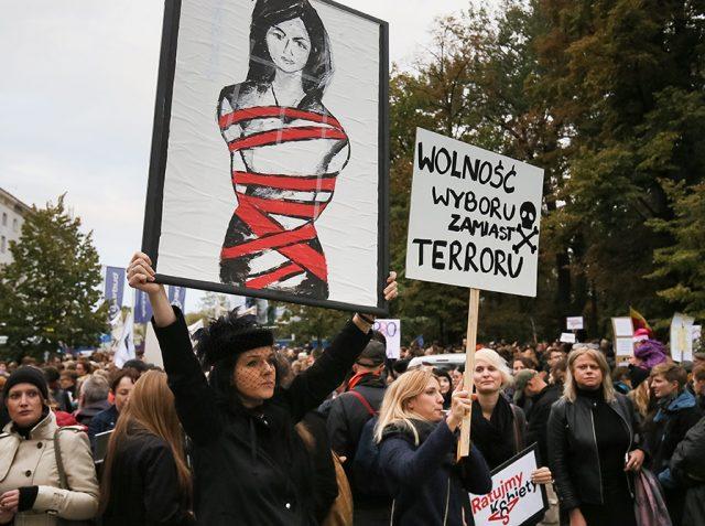 polonyada kürtaj protestoları