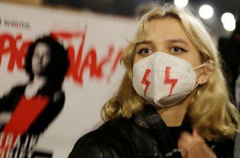 Polonya'da Siyaset Sivil Toplum İlişkisi Uzun Süredir Sancılı