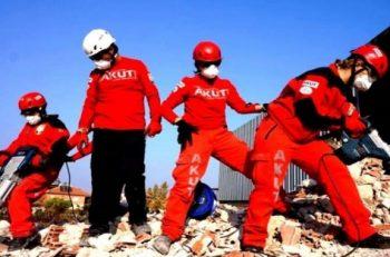 """AKUT 25. Yılında """"Büyük Marmara Depremi""""ni Gündeme Taşıyor"""