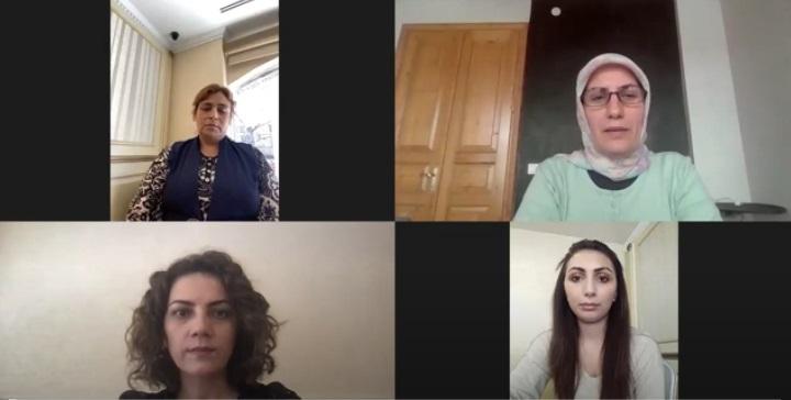 Sivil Meydan'da Roman Kadınların Mücadelesi Konuşuldu