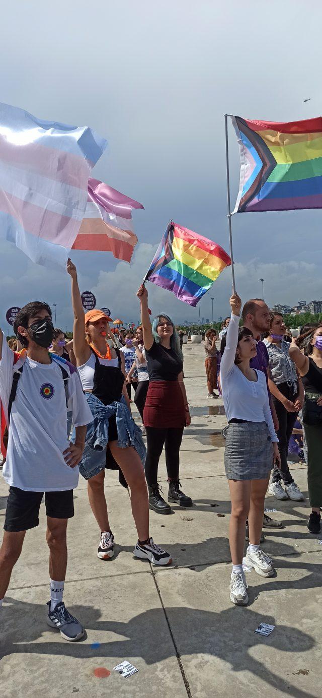 Kadınlar İstanbul Sözleşmesi'ni Yaşatmakta Kararlı