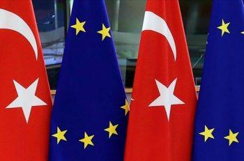 'Demokrasi ve İnsan Haklarında Gerileme Sürüyor'